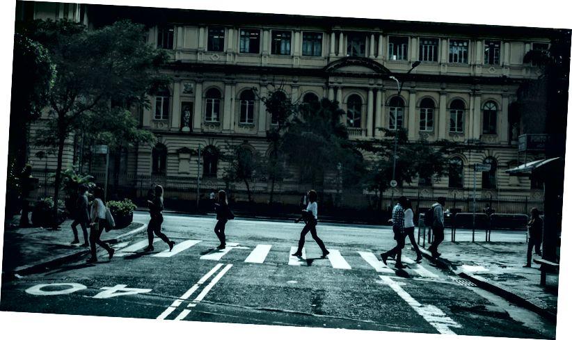 Foto von Kaique Rocha aus Pexels: https://www.pexels.com/photo/architecture-blur-building-city-116024/