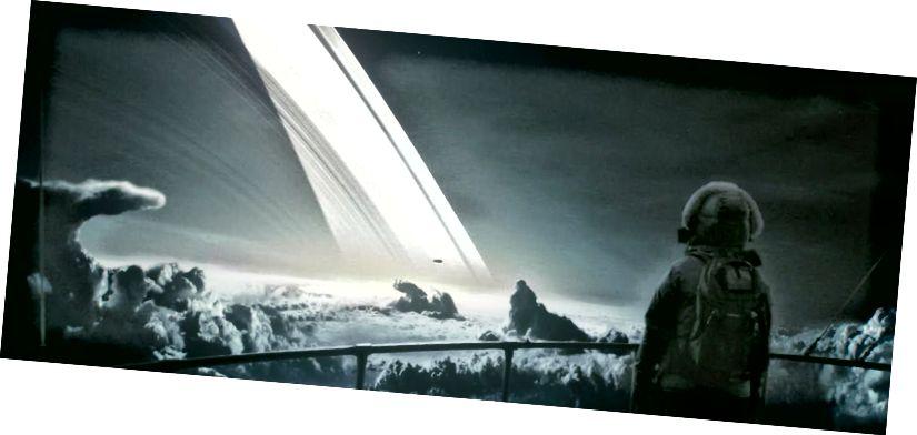 Ein Astronaut schwebt über den Wolken des Saturnmondes Triton (Eric Wernquist / Wanderers)