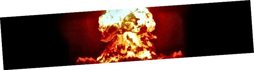 Gleichstrommotor - oder so ähnlich - explodiert beiläufig, um seine Uneinigkeit auszudrücken.