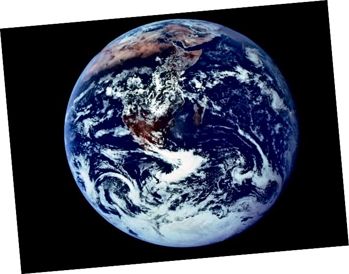 Вядомы фотаздымак з блакітнага мармуру, які паказаў першы поўны выгляд нашай планеты. 1972. Выява НАСА.
