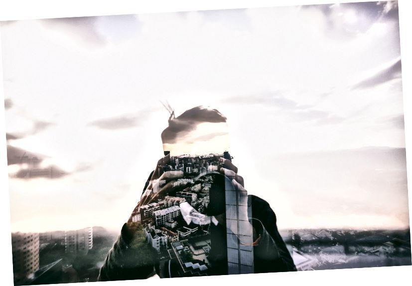 Foto von Alex Wong auf Unsplash