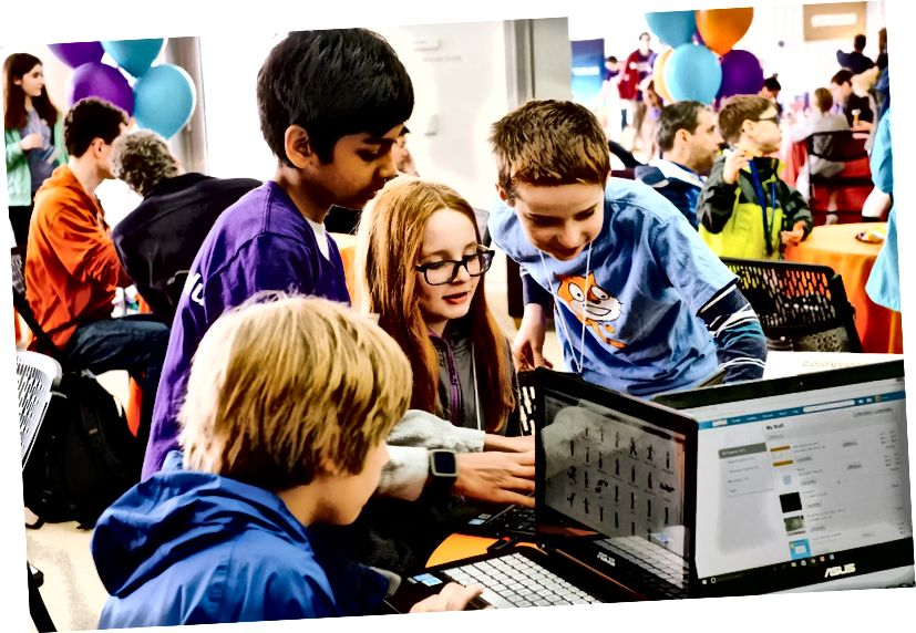 Καθ 'όλη τη διάρκεια του Scratch Day στο Media Lab, παιδιά από την περιοχή της Βοστώνης και πιο μακριά συνεργάστηκαν σε έργα. Πίστωση: Kelly Lorenz Imagery