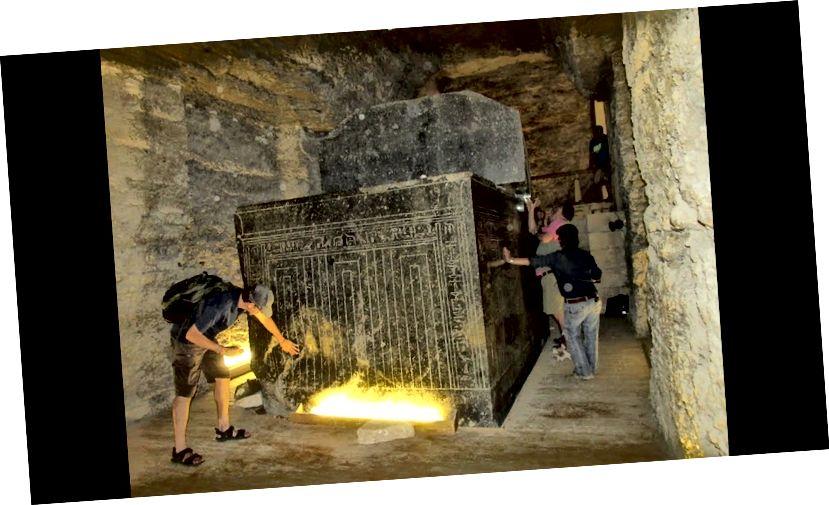Jedan od navodnih sarkofaga u Serapeumu
