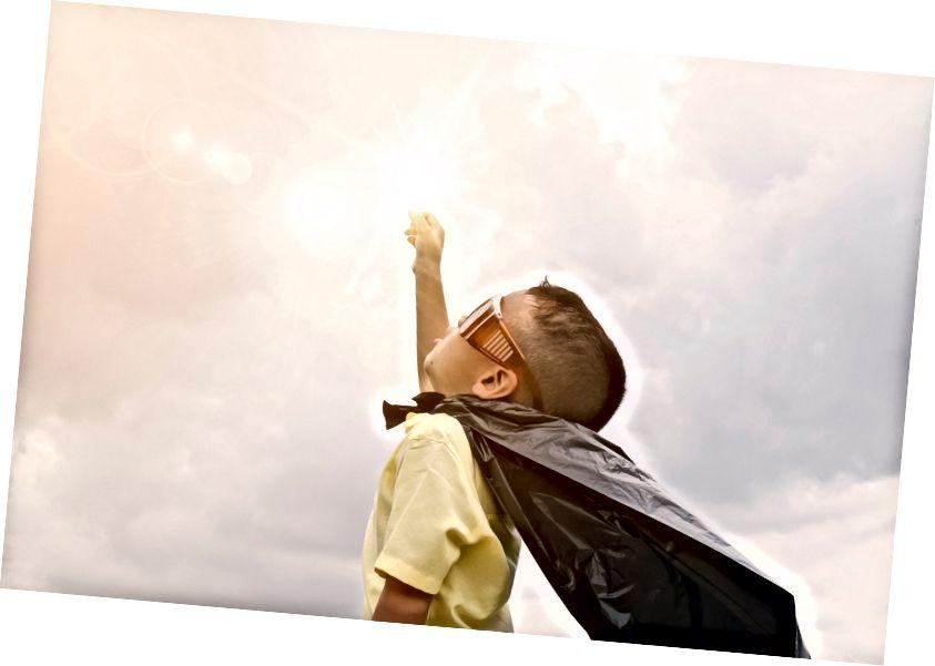 Stock Fotos von Impfstoffen saugen, also hier ist eine brillante kleine Person, die Superman ist Quelle: Pexels