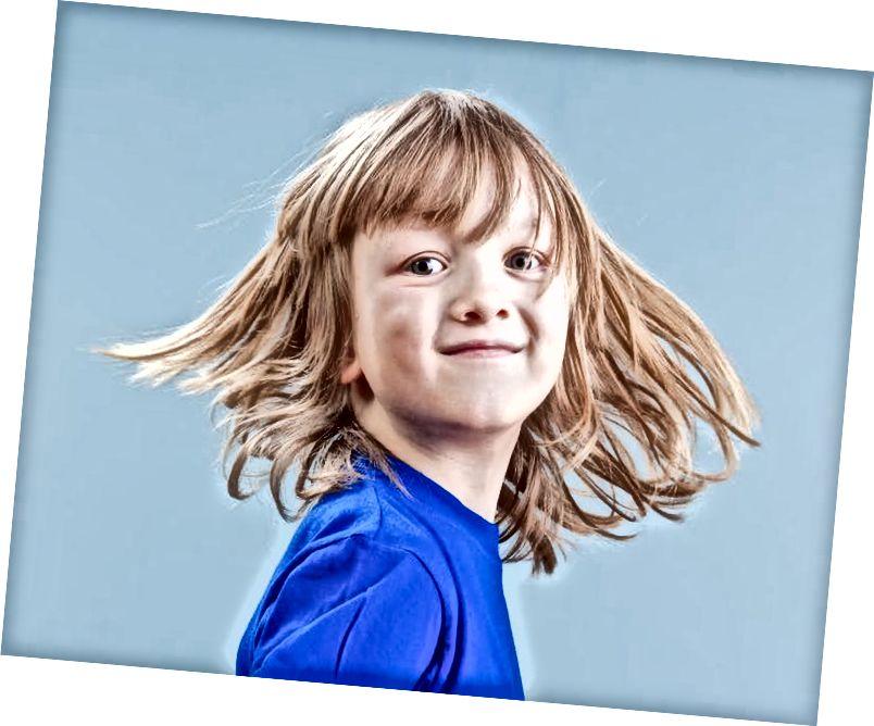 Циљ родно-афирмативне терапије је слушање и праћење детета о родном идентитету и родном изражавању. (Схуттерстоцк)