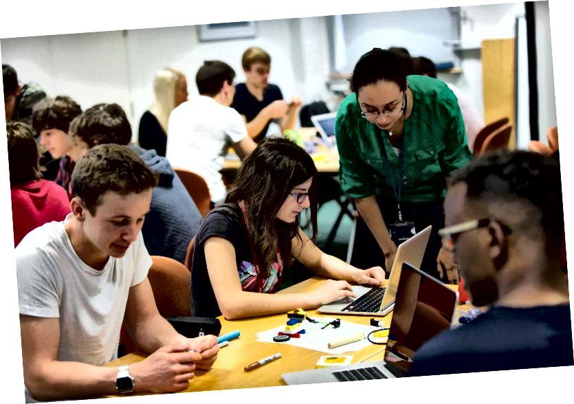 Камп'ютэрнае праграмаванне хутка становіцца важным навыкам развіцця ўсіх студэнтаў STEM. Крэдыт выявы: карыстальнік flickr gdsteam, пад cc-2.0.