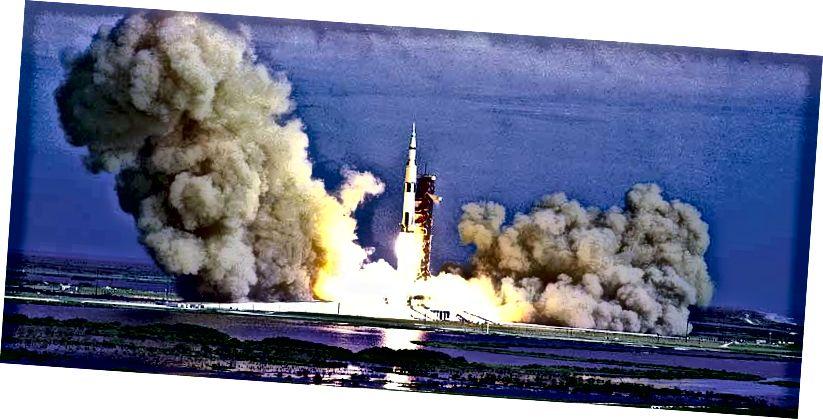 """Seoladh Apollo 15"" - Creidmheas: alworden.com/"