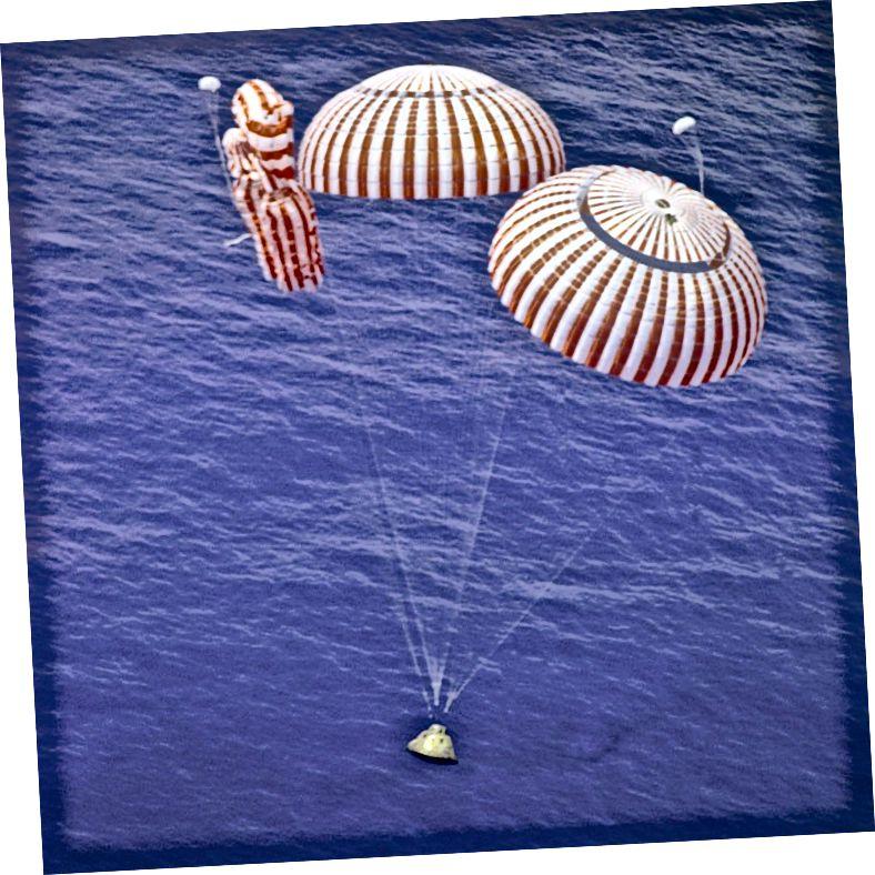 """""""Apollo 15 Lá Splancscáileáin"""" - Creidmheas: NASA"""