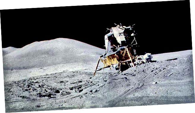 """""""Falcon Modúl Gealaí Apollo 15"""" - Creidmheas: NASA"""