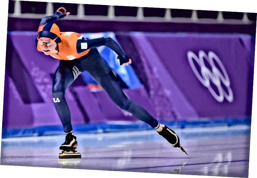 Die Niederländerin Esmee Visser nimmt während der Olympischen Winterspiele 2018 am 5.000-m-Eisschnelllauf der Frauen teil. Sie würde bei diesem Event Gold gewinnen. Bildnachweis: Jung Yeon-Je / AFP / Getty Images.