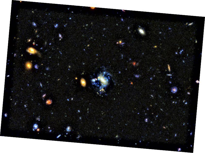 Galaksi yang saat ini mengalami interaksi gravitasi atau merger hampir selalu juga membentuk bintang biru yang baru dan cerah. Runtuhnya sederhana adalah cara untuk membentuk bintang pada awalnya, tetapi sebagian besar pembentukan bintang yang kita lihat hari ini merupakan hasil dari proses yang lebih keras. Bentuk galaksi yang tidak teratur atau terganggu adalah tanda tangan utama bahwa inilah yang terjadi, dan bukti untuk merger ini dapat kembali sejauh teleskop kita dapat melihat saat ini. (NASA, ESA, P. OESCH (UNIVERSITAS GENEVA), DAN M. MONTES (UNIVERSITAS DOMPET SELATAN BARU))