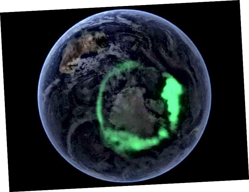 Гэта фальшывы колер ультрафіялетавага Aurora australis, зняты спадарожнікам IMAGE НАСА і накладзены на выяву Блакітнага мармуру на спадарожніку NASA. Малюнак Аўроры, аднак, абсалютна рэальны. (НАСА)