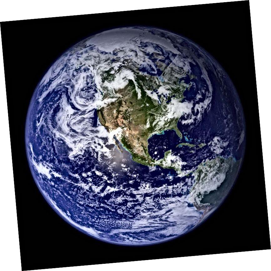 Зямля ў выглядзе кампазіта касмічных здымкаў NASA з космасу ў пачатку 2000-х. Малюнак: NASA / Blue Marble Project.