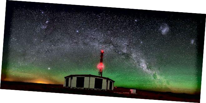 У абсерваторыі П'ера Огера ў Аргенціне пражывае 1660 барэляў вады, якія ахопліваюць 1860 м² (3000 км²). Трубы, усталяваныя на рэзервуарах, рэагуюць на электрамагнітныя ўдарныя хвалі, калі часціца трапляе ў дэтэктар.