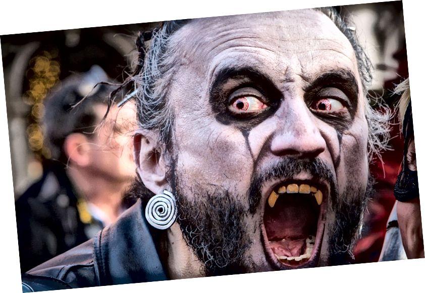 Sich als Vampir verkleiden: Gelegentlich Spaß. Sich mit jugendlichem Blut infundieren: Gruselig.
