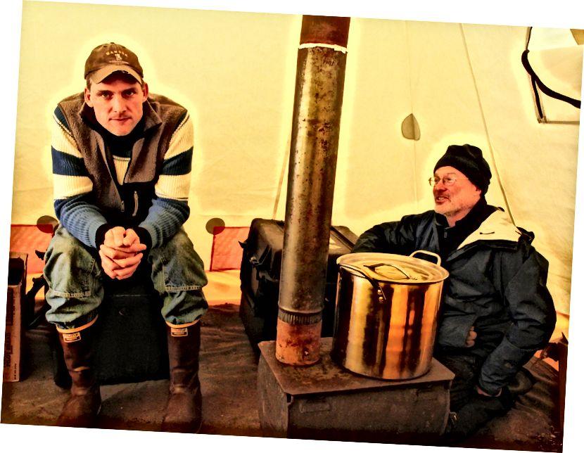 Больш кавы можа спатрэбіцца ў нашым шэўбіскім лагеры ў Селавіку.  USFWS / Дэн Прынс