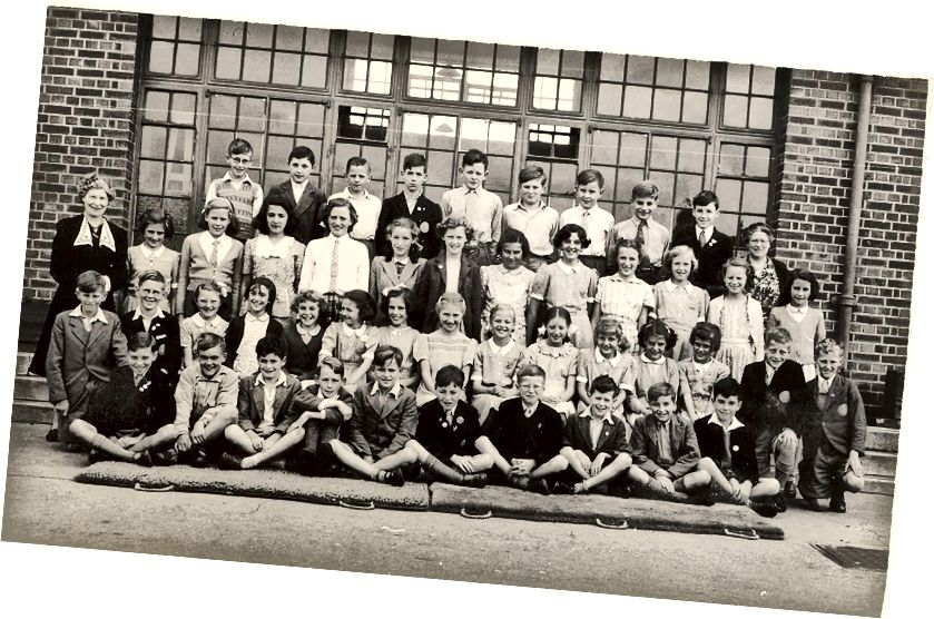 Osnovna škola Denbigh Road u Lutonu. Colin je stražnji red, krajnje lijevo (Colin Humphreys)