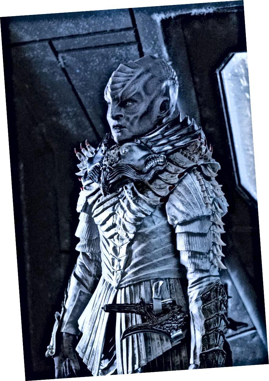 Beidh ar L'Rell agus Voq obair chun a dtionchar a athbhunú, agus oidhreacht T'Kuvma an rud nach féidir a mheabhrú, agus Impireacht Klingon ag streachailt idir peirspictíocht neamh-chomhbhách amháin agus dearcadh eile. Creidmheas íomhá: Michael Gibson / CBS © 2017 CBS Interactive.