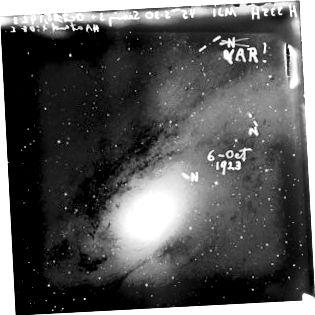 Upprunaleg glæran Hubble með eigin merkingum. Mynd kurteisi af himni og sjónauka.