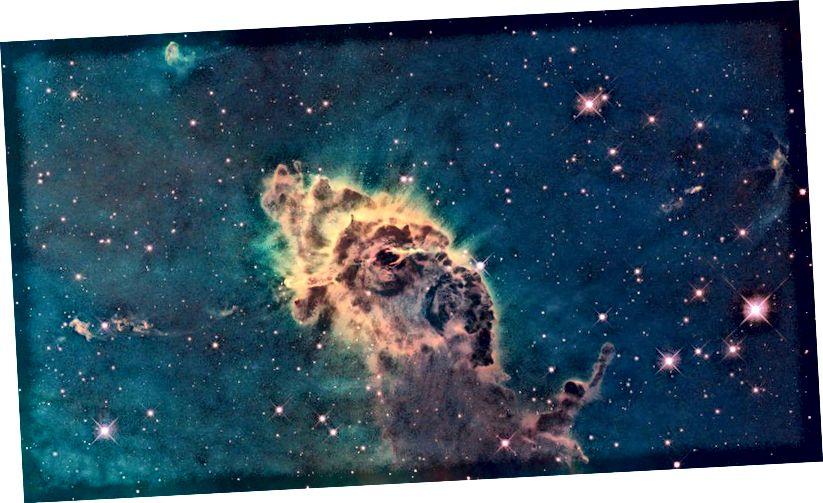 Gaasist ja tolmust koosnev pildisammas asub Carina udukogu nime kandvas silmatorkavas tähelasteaias, mis asub 7500 valgusaasta kaugusel Carina lõunaosa tähtkujus ja mille Hubble on nähtava valguse käes kujutanud. Sisemuses moodustuvatel tähtedel on tõenäoliselt kõigil samad elementide suhted, veelgi raskemate elementidega, kui meie Päikesel on. (NASA, ESA JA HUBBLE SM4 ERO TEAM)