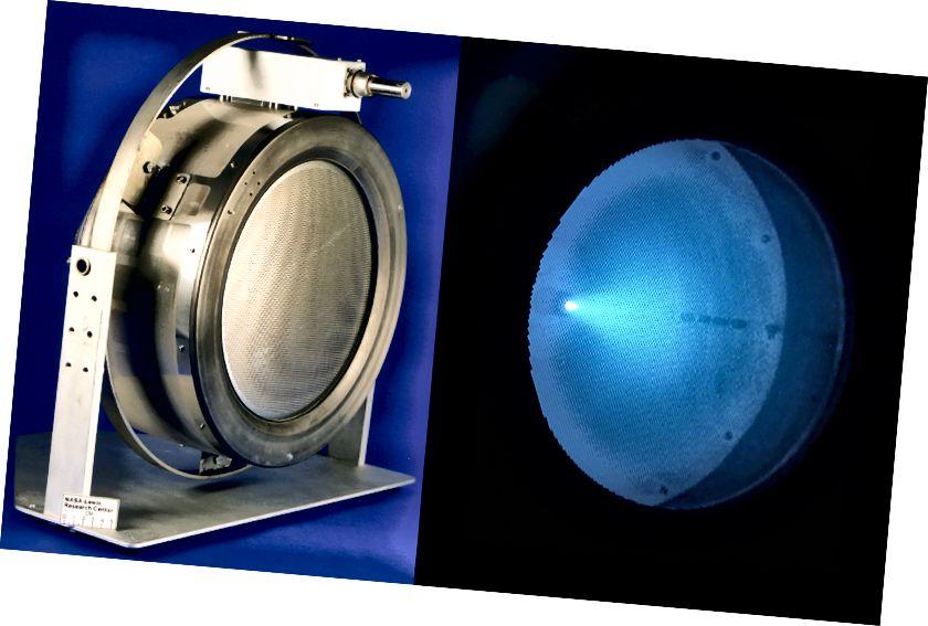 NASA-in potisnik iona NSTAR i njegova unutarnja ksenonska plazma. Zasluga: JPL