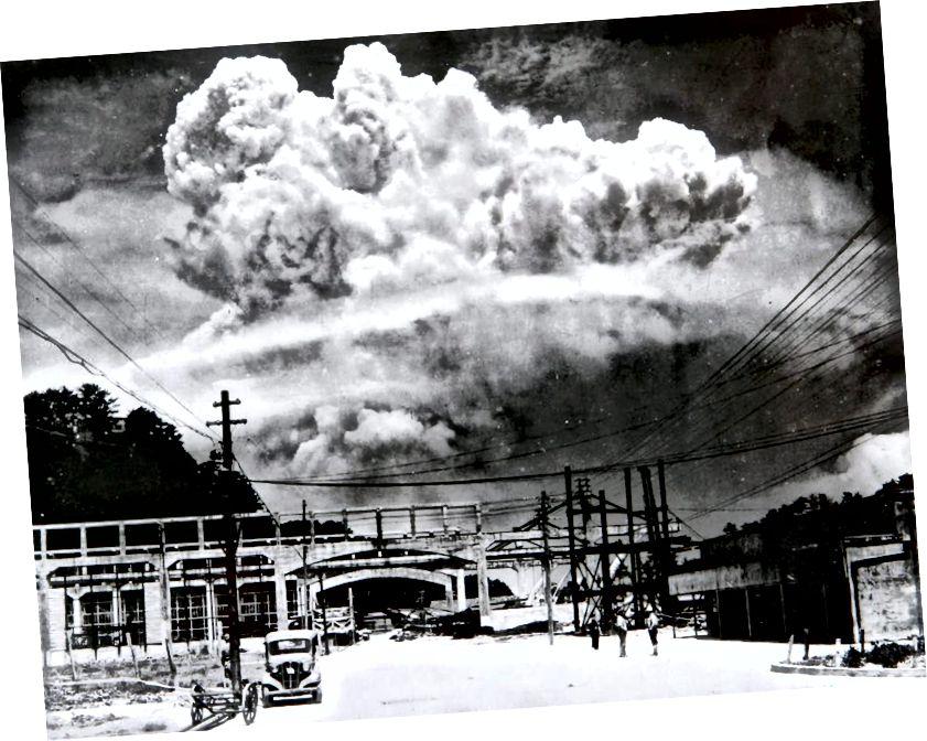 Az 1945-ben Koyagi-jimából származó Nagasaki feletti atombomba felhője volt az egyik első nukleáris robbantás, amely ezen a világon történt. A béke évtizedek után Észak-Korea ismét robbant bombákat. Hitel: Hiromichi Matsuda.