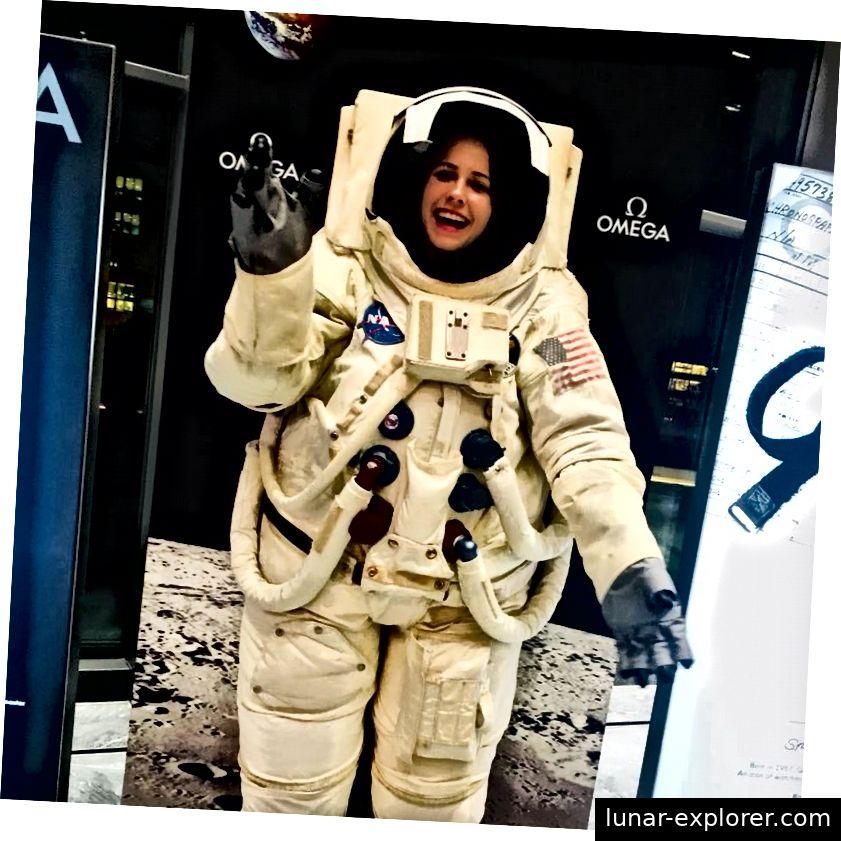 Dies ist Chloe Carriere von der EPFL und dem Swiss Space Center
