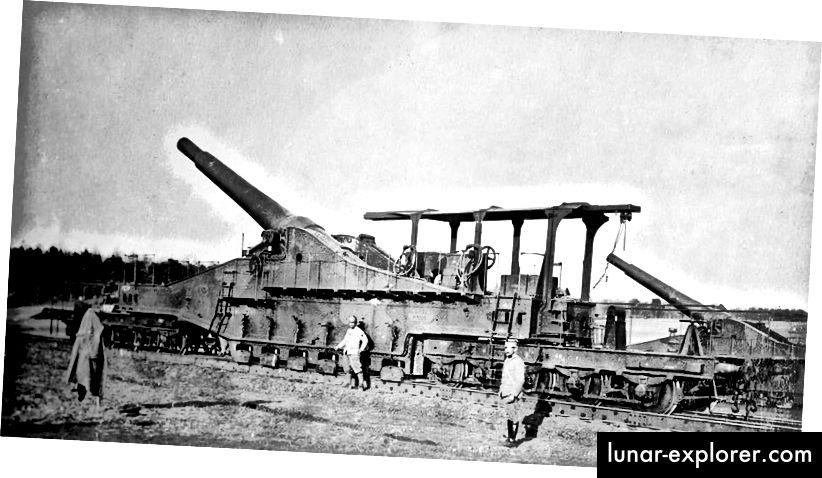 Eine französische 320-mm-Eisenbahnwaffe, die im Ersten Weltkrieg eingesetzt wurde.