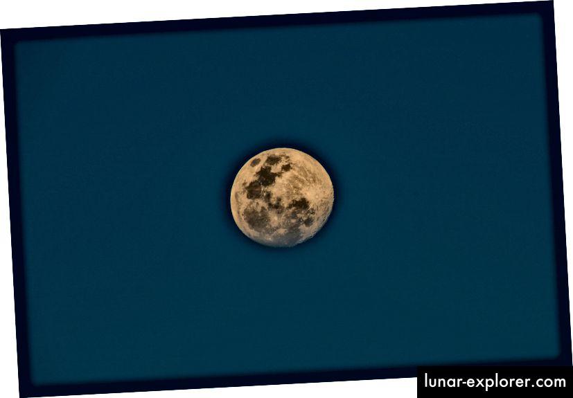 Ich liebe den Mond.