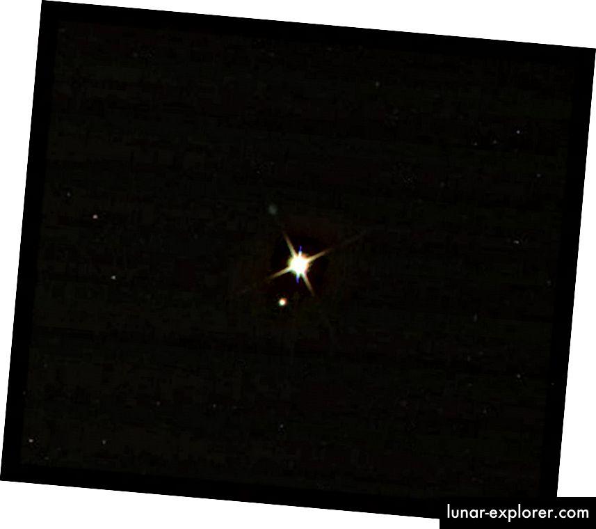 Die Erde und der Mond von Cassini aus gesehen, der den Saturn umkreist, am 19. Juli 2013. Dieses Bild zeigt die Erde, die ungefähr 67 Minuten jünger ist, als wir sie zum Zeitpunkt der Aufnahme erlebt haben. Bildnachweis: NASA / Cassini / JPL-Caltech.