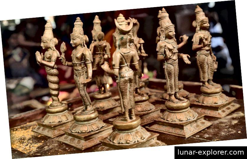 Navagraha Idole bei Lord Dhanavantari Temple, Coimbatore