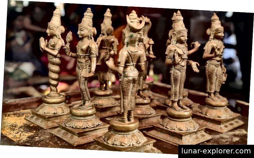 Navagraha idoli u hramu Lord Dhanavantari, Coimbatore