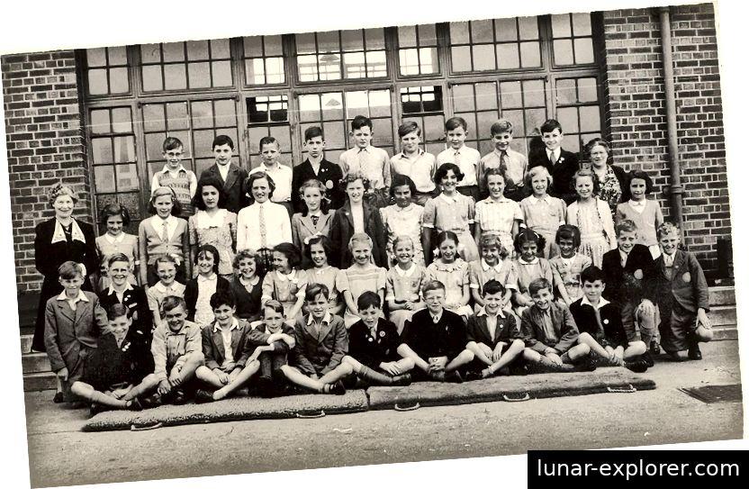 Denbigh Road Grundschule in Luton. Colin ist in der hinteren Reihe ganz links (Colin Humphreys)