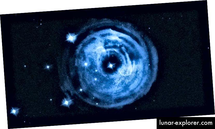 Auswurf aus dem Ausbruch des Sterns V838 Monocerotis. (NASA, ESA und H.E. Bond (STScI))