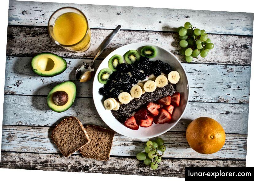 Gesunde Nahrungsmittel für Kontrast; Foto von Jannis Brandt auf Unsplash