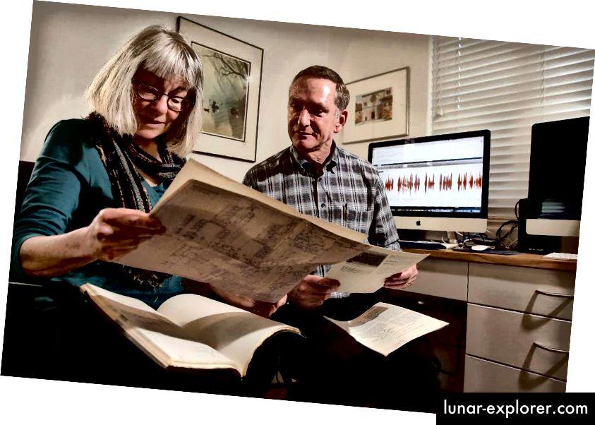 Patti Price, ein Sprachtechnologieberater, und Eric Dorsey, ein technischer Leiter, sind Teil des Teams, das daran arbeitete, Stephen Hawkings vertraute Stimme zu retten, als die 30 Jahre alte Hardware, die sie erzeugte, zu versagen begann. Foto: Michael Macor, Die Chronik