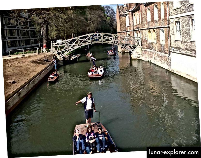 Mathematische Brücke, Queens College an der Universität Cambridge - Copyright Tricia Levasseur