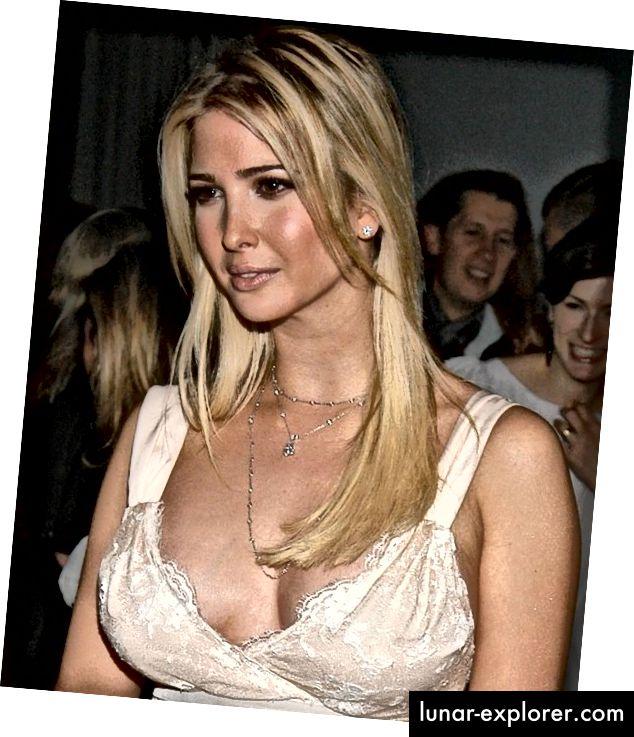 Nach ihrer Verhaftung wechselte die prominente Wissenschaftlerin Ivanka Trump in ein Outfit, das den FBI-Agenten vor Ort besser gefällt. (Bildnachweis: celebplasticsurgeryonline.com)