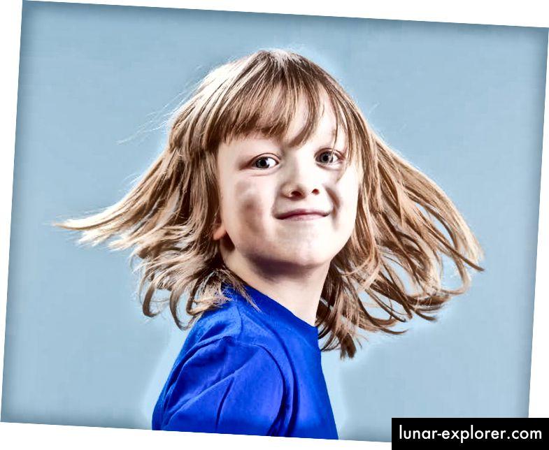 Ziel der geschlechtsbejahenden Therapie ist es, dem Kind in Bezug auf Geschlechtsidentität und Geschlechtsausdruck zuzuhören und ihm zu folgen. (Shutterstock)