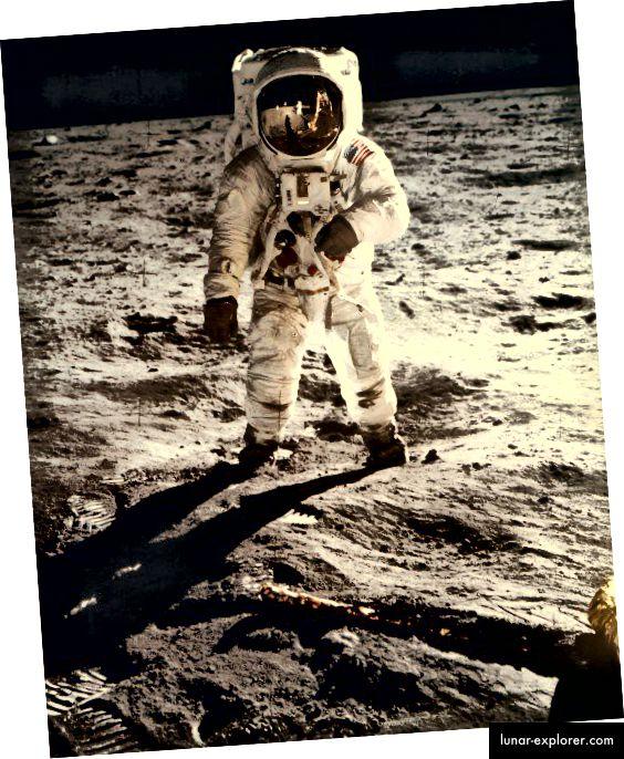 Der amerikanische Astronaut Buzz Aldrin läuft auf dem Mond. Foto: Die NASA