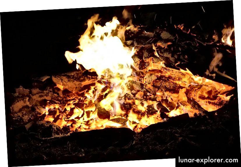 Alles, was brennt, scheint zerstört zu sein, aber alles, was vorgebrannt ist, kann im Prinzip wiederhergestellt werden, wenn wir alles nachverfolgen, was aus dem Feuer kommt. (Gemeinfrei)