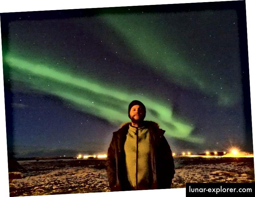 Der gebürtige Isländer Óðinn Kári Karlsson hat diese Fotos im März als erstes Experiment der Aurora-Fotografie aufgenommen. Mit einem Stativ und einer Belichtung von 15 bis 30 Sekunden konnte er diese atemberaubenden Bilder eines der spektakulärsten Naturphänomene der Natur aufnehmen. (Óðinn Kári Karlsson)