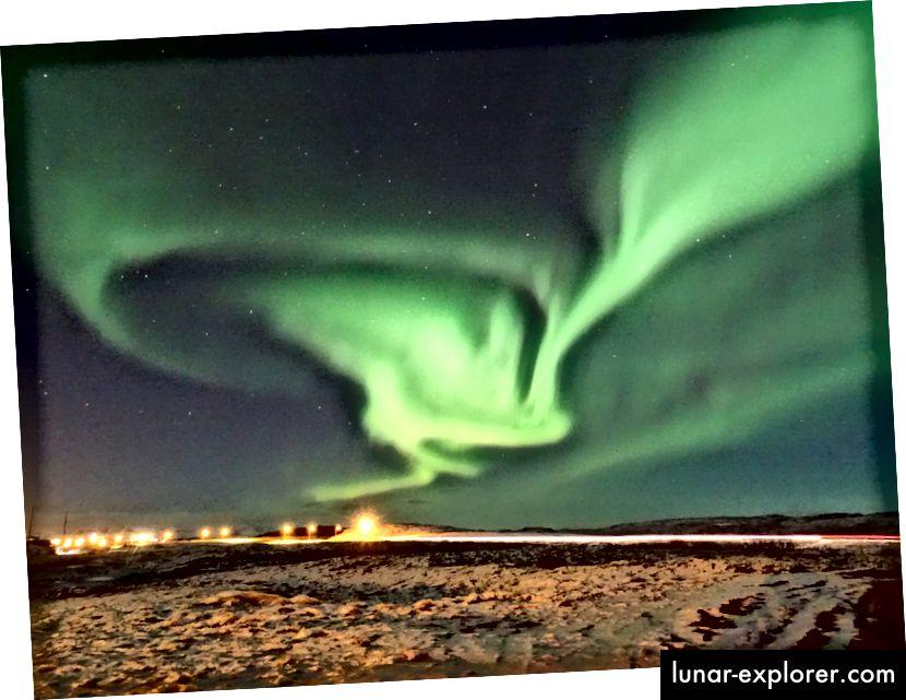 Eine Reihe von Fotos der Polarlichter aus Island mit einer Belichtung von 15 bis 30 Sekunden zeigen einen unglaublichen Himmel, der noch größer ist als das, was die menschlichen Augen sehen können. (Óðinn Kári Karlsson)