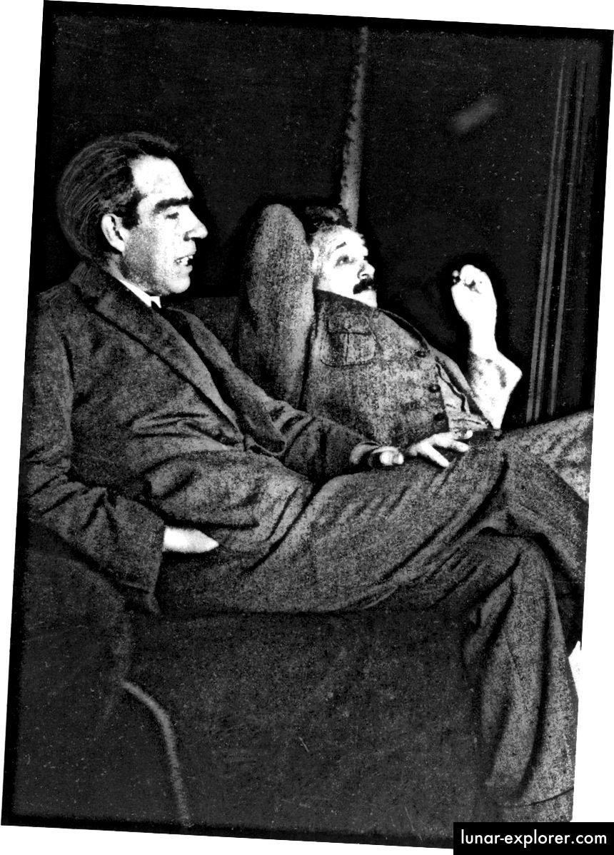 Niels Bohr i Albert Einstein raspravljali su o mnogim temama u domu Paula Ehrenfesta 1925. Rasprave o Bohr-Einsteinu bile su jedna od najutjecajnijih pojava tijekom razvoja kvantne mehanike. Danas je Bohr najpoznatiji po svojim kvantnim doprinosima, ali Einstein je poznatiji po svojim doprinosima relativnosti i ekvivalentnosti mase-energije. Što se tiče heroja, obojica su posjedovali ogromne mane u profesionalnom i osobnom životu. (PAUL EHRENFEST)