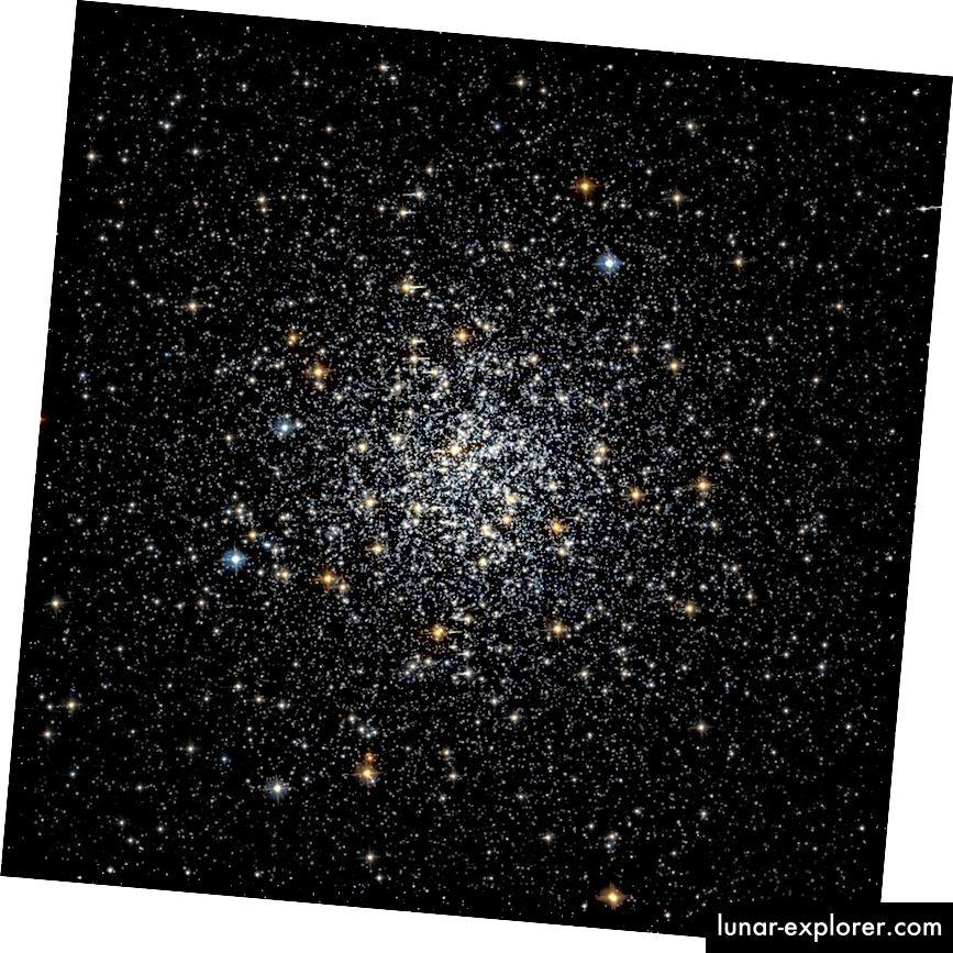 A Messier 69 gömbös klaszter rendkívül szokatlan, mivel hihetetlenül öreg, mindössze 5% -a az univerzum jelenlegi korának, ugyanakkor nagyon magas fémtartalommal rendelkezik, 22% -ánál Napunk fémességét. (HUBBLE LEGACY ARCHÍVUM (NASA / ESA / STSCI), HST / WIKIMEDIA KÖZÖS HASZNÁLATOS FABIAN RRRR)