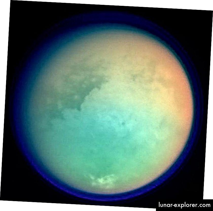 In questa immagine di Titano, la foschia e l'atmosfera del metano sono mostrate in un blu quasi trasparente, con le caratteristiche della superficie sotto le nuvole visualizzate. Per creare questa vista è stato utilizzato un composito di luce ultravioletta, ottica e infrarossa. Combinando set di dati simili nel tempo per un esopianeta a immagine diretta, anche con un solo pixel, potremmo ricostruire un'enorme quantità di proprietà atmosferiche, di superficie e stagionali. (ISTITUTO DI SCIENZA DELLA NASA / JPL / SPACE)