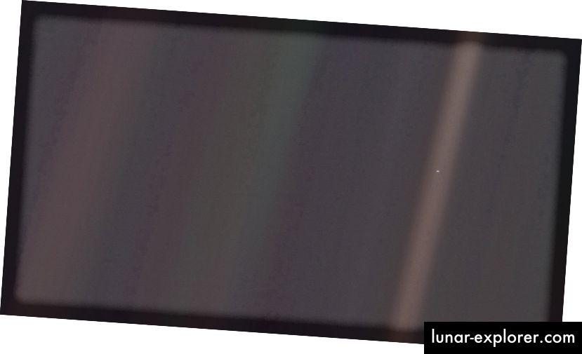 Das am weitesten entfernte Bild der Erde, das jemals aufgenommen wurde, ist dieses: am 14. Februar 1990 von der Raumsonde Voyager 1. Es ist auf der ganzen Welt als das Foto mit dem hellblauen Punkt bekannt geworden. (NASA / VOYAGER 1)