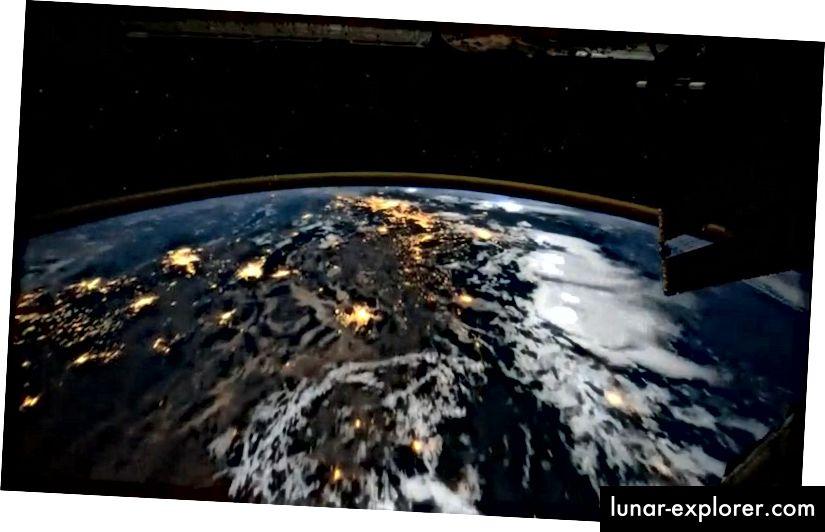 Der Mensch kann die Erde routinemäßig aus dem Weltall betrachten und die Welt alle 90 Minuten umkreisen. Der Abdruck des menschlichen Einflusses auf unsere Welt, insbesondere in der Nacht, ist aus der Nähe gut sichtbar, kann jedoch in großen Entfernungen außerhalb der erdnahen Umlaufbahn nicht gesehen werden. (NASA / INTERNATIONAL SPACE STATION)