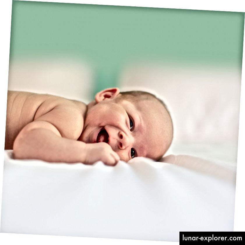 Abgebildet: Glückliche kleine Person Quelle: Unsplash