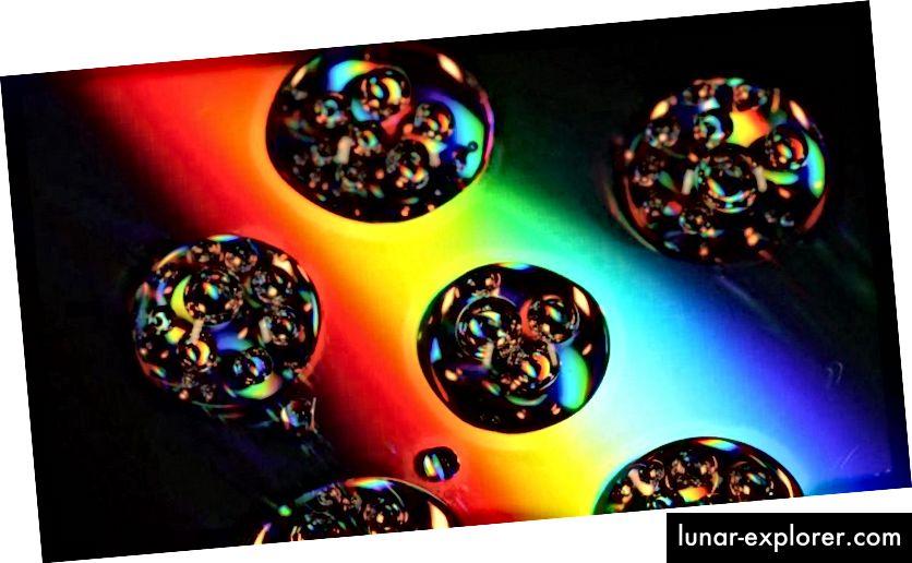 Sementara banyak Alam Semesta yang independen diprediksi akan diciptakan dalam ruangwaktu yang menggembung, inflasi tidak pernah berakhir di mana-mana pada saat yang bersamaan, melainkan hanya di wilayah yang berbeda dan independen yang dipisahkan oleh ruang yang terus mengembang. Di sinilah motivasi ilmiah untuk Multiverse berasal, dan mengapa tidak ada dua Semesta yang akan bertabrakan. (KAREN46 / FREEIMAGES)
